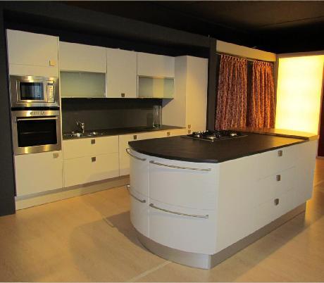 Cucine Componibili Con Forno Alto: Cucina componibile ad angolo cucine legno massello produzione e.