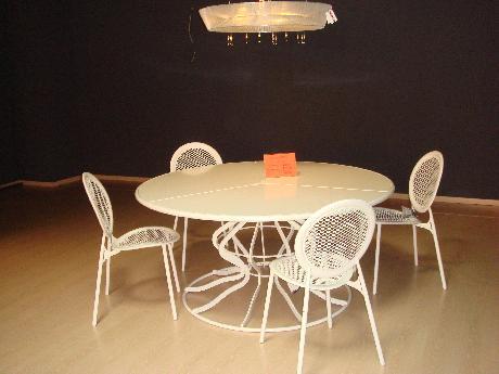 Arredamento mobili tavolo minuetto for Emu mobili giardino prezzi